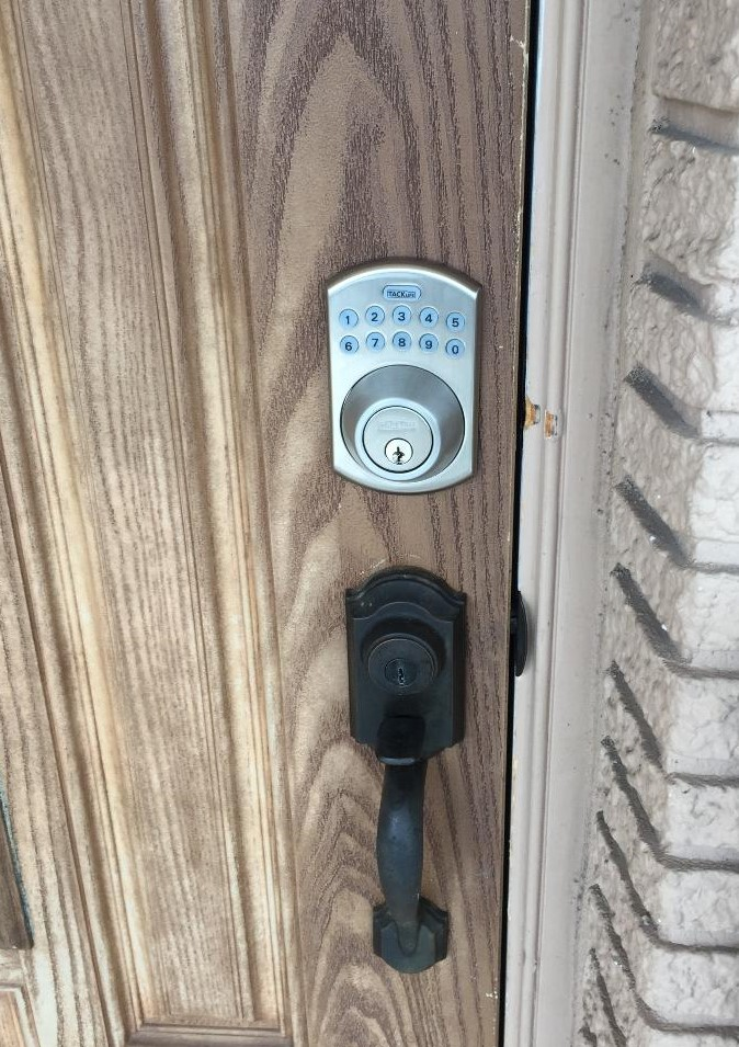 Keypad lock installation